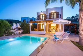Elia Luxury Villa